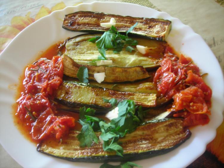8 zucchini aubergine im backofen grillen rezepte kochmeister. Black Bedroom Furniture Sets. Home Design Ideas