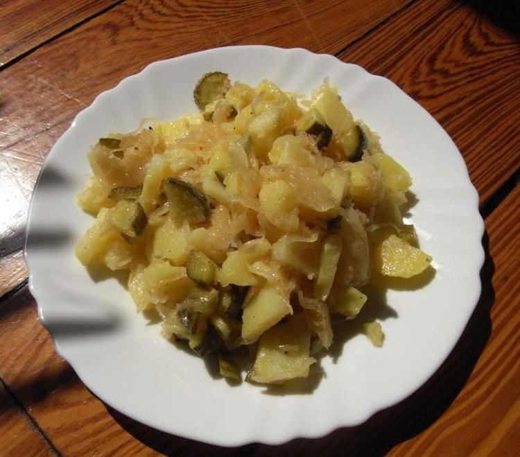 schneller kartoffel sauerkraut salat ein kochmeister rezept. Black Bedroom Furniture Sets. Home Design Ideas