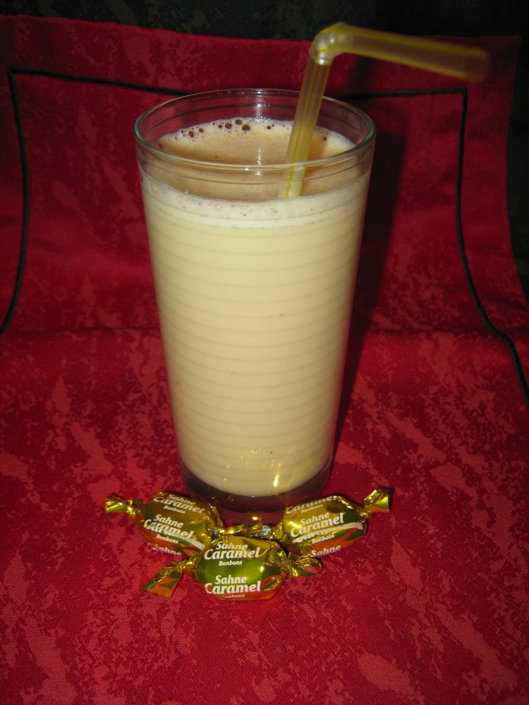 hei er karamell vanille milchshake ein kochmeister rezept. Black Bedroom Furniture Sets. Home Design Ideas